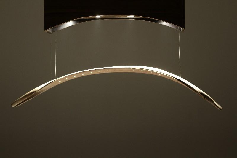 Lustre Comète : une suspension LEDs qui harmonise le mouvement